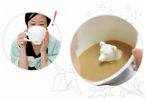 隐藏动物的茶杯
