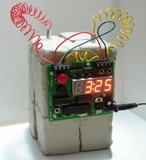 炸弹样式的闹钟