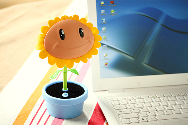 UBS充电的太阳花小台灯