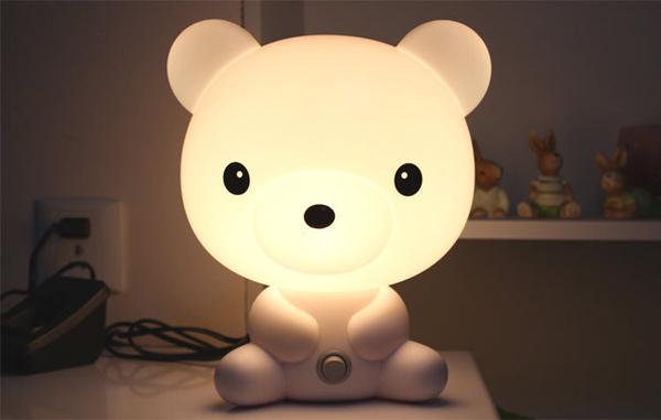 触摸语音小熊台灯