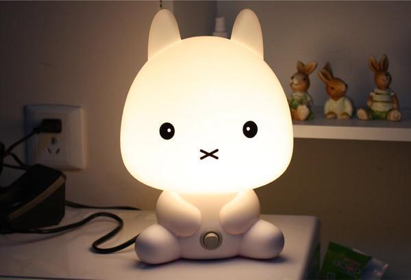 触摸语音小兔子台灯