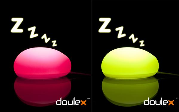 粉色和亮绿色的鼠标灯