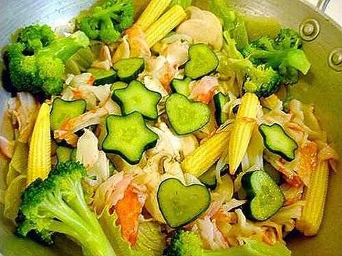 心形和五角星形的黄瓜菜