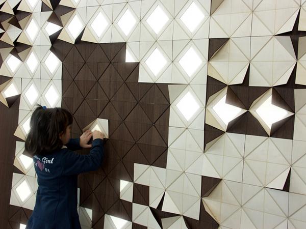 墙壁上的光格照明设计