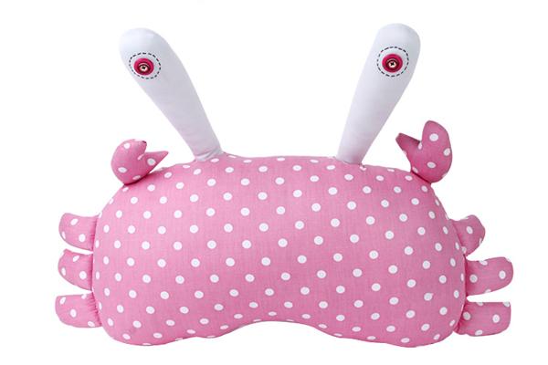 可爱的螃蟹抱枕