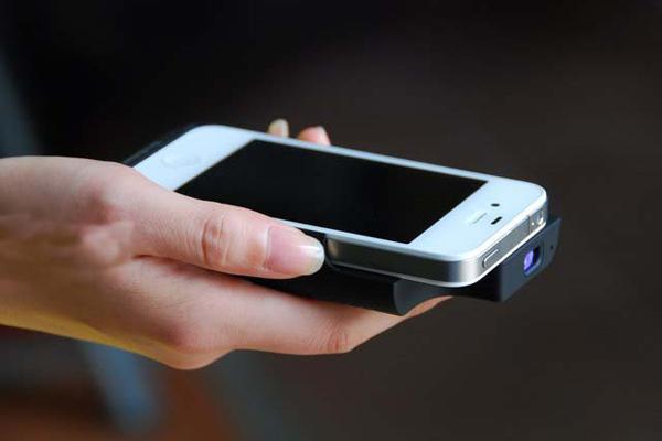 iPhone 便携投影仪