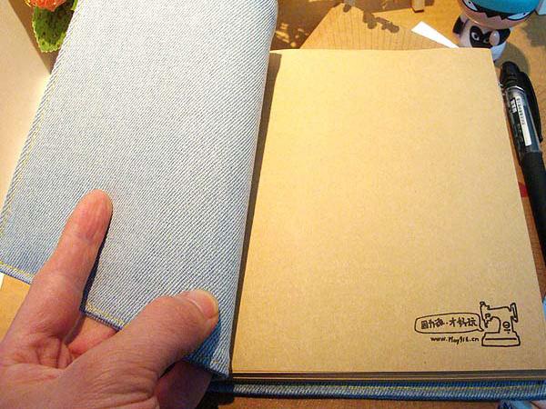 牛仔裤包皮笔记本的内芯