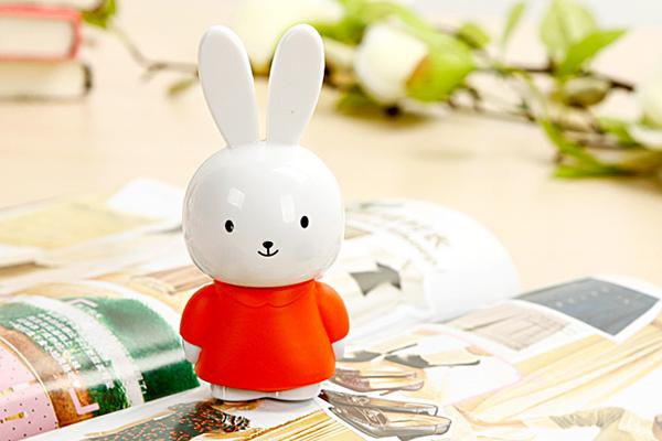 羞羞兔便携音箱红色