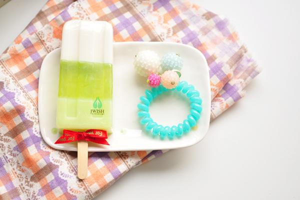 清凉的冰棒沐浴香皂