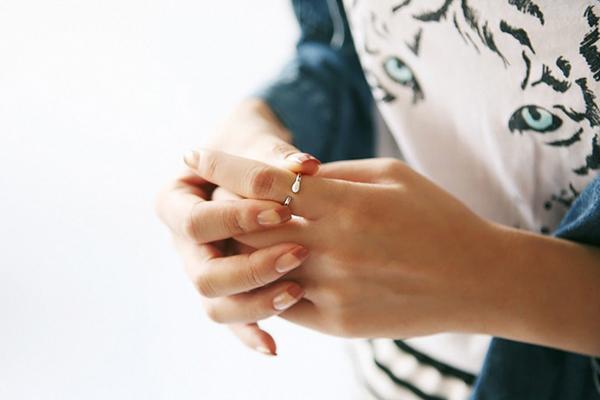 Elisha 创意火柴造型戒指