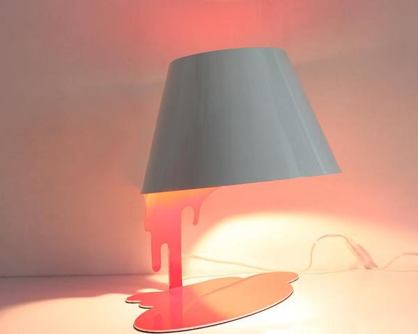 点亮融化的台灯