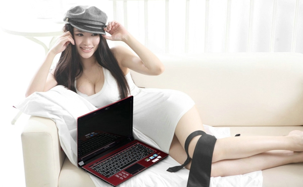 联想笔记本V360平面广告(四)