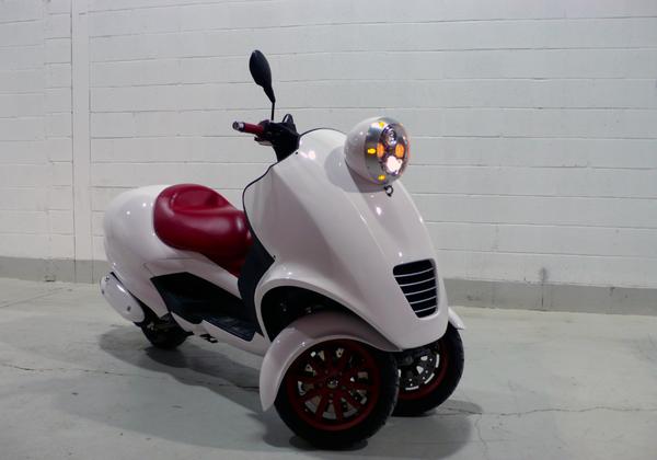 Q版的胖胖的摩托车