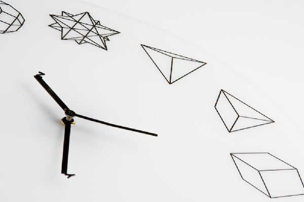 HO 几何表盘设计的时钟