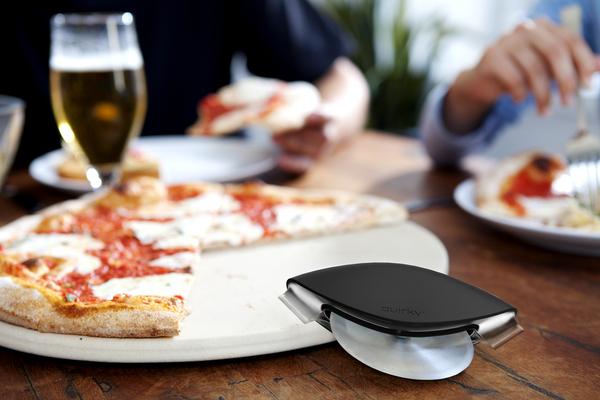 方便实用的披萨切割刀(二)