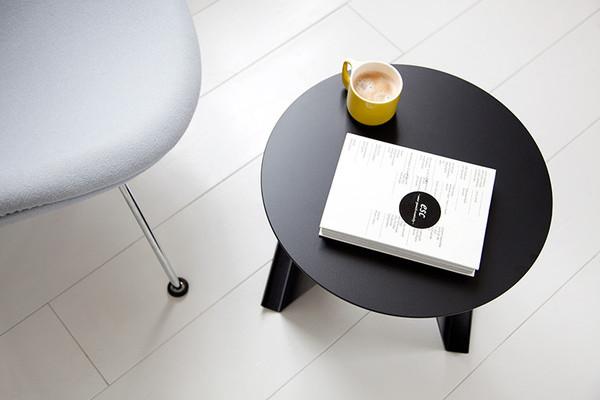 简约时尚可以放杂志的小桌子(二)