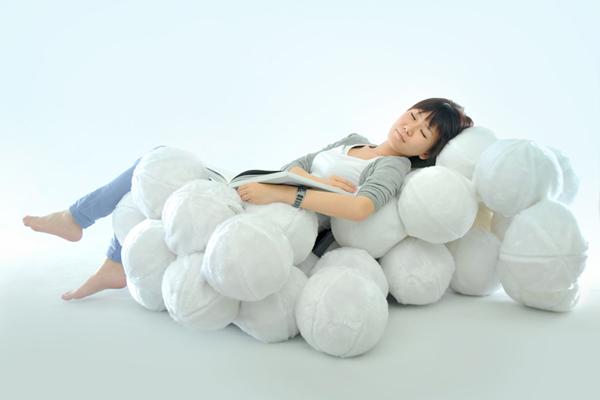 棉花球组成的柔软沙发