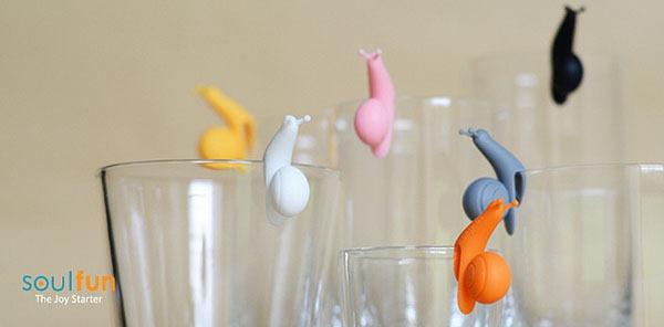 色彩斑斓的创意杯子标识
