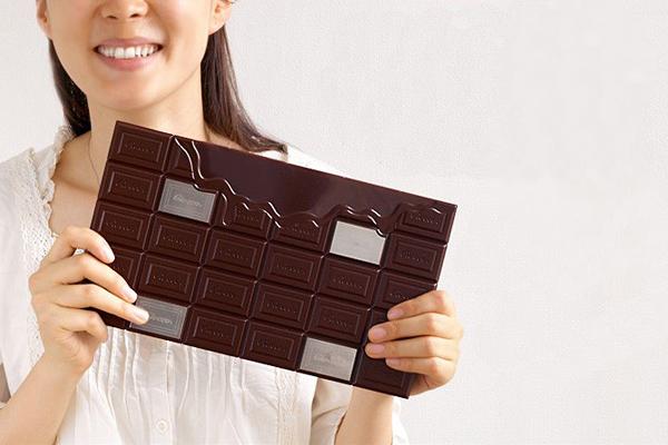 ELECOM 巧克力体重秤展示