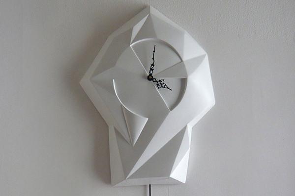 另类现代风格挂钟
