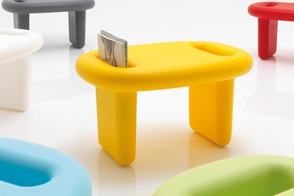 颜色绚丽的家具组