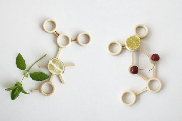 果盘组成的粒子图形