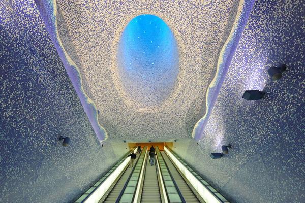 托莱多地铁站,那不勒斯