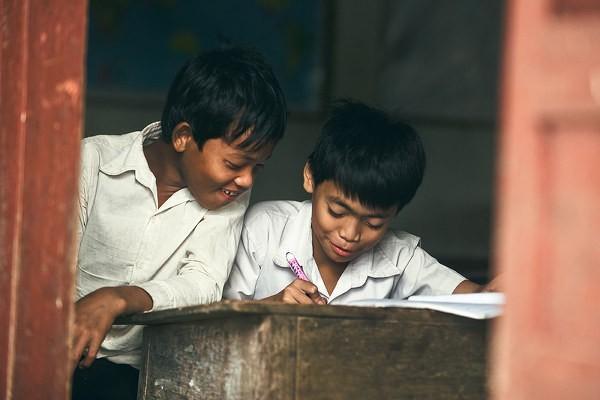 贫困山区孩子学校的一天(二)