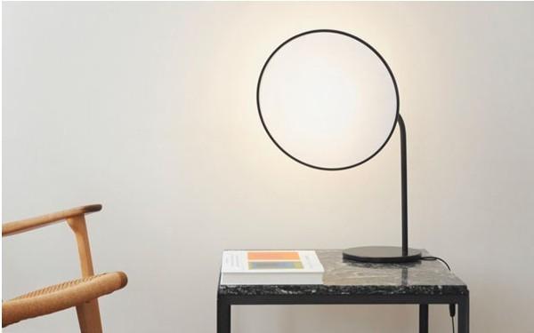 摄影棚式样的柔光台灯