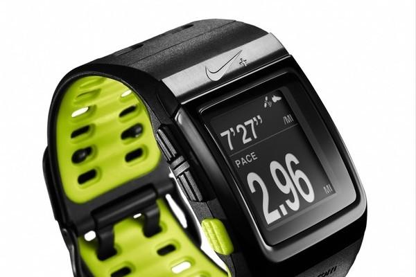 可测心率运动手表