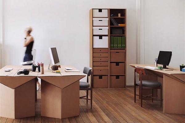 新奇的纸板家具