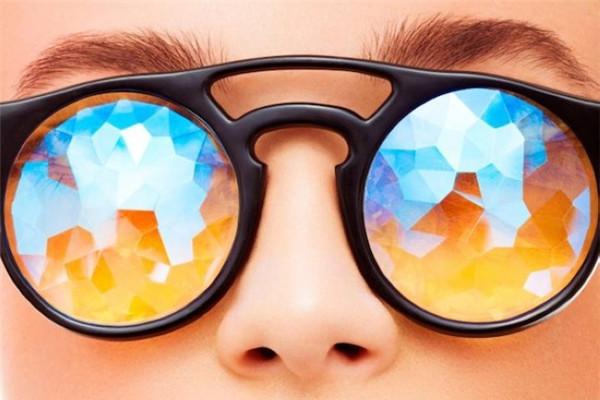 奇妙的多彩万花筒眼镜(二)