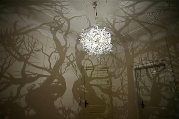 很有感觉的树影吊灯