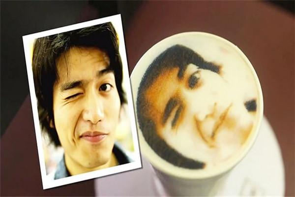 人像泡沫的拿铁咖啡机(三)