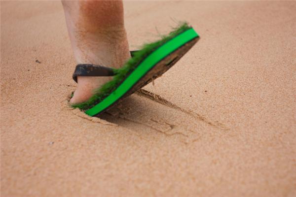 清凉绿色人造草鞋(二)