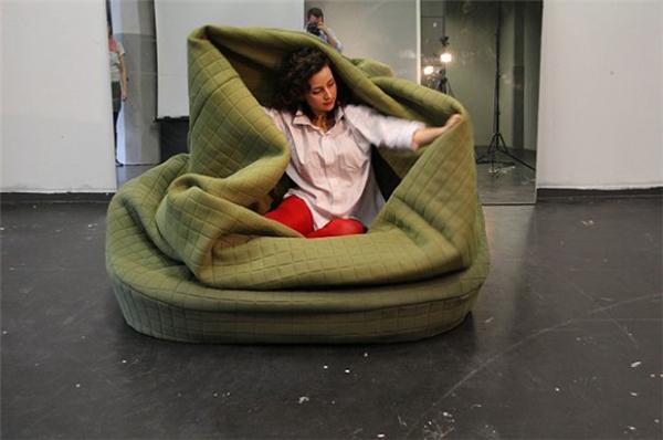 亲密的鸟巢沙发