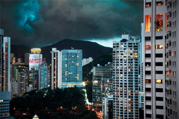 动人的雨中香港(三)