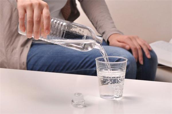 手工矿泉水杯具组合(三)