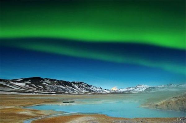 冰岛美丽的极光