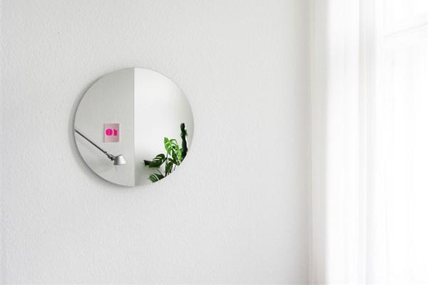 呈现不同镜像的镜子(三)