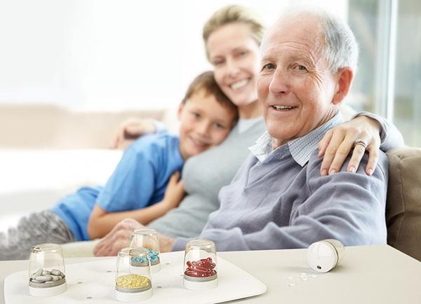 提醒老人用药的智能系统
