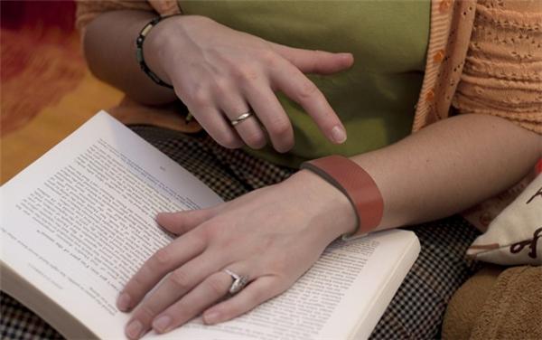 情侣传情达意触摸手环
