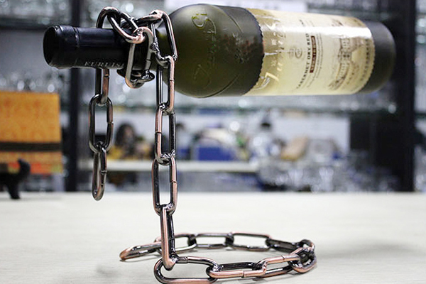 神奇锁链创意红酒架