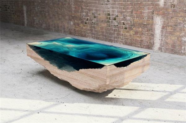 犀利的深渊桌