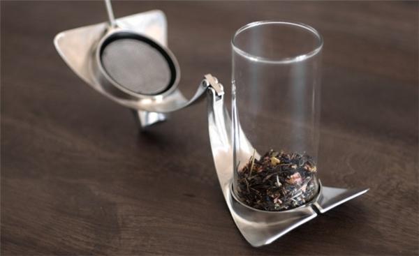 简约的不锈钢透明茶壶(二)