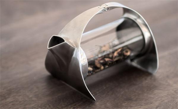 简约的不锈钢透明茶壶(三)