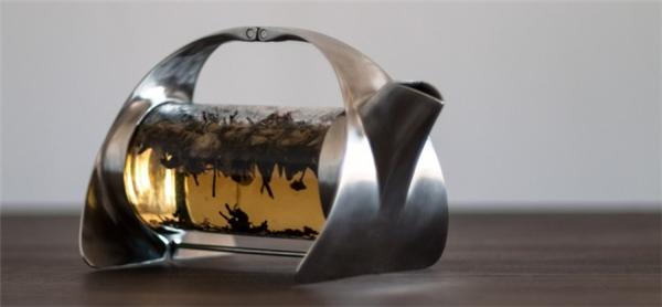 简约的不锈钢透明茶壶(四)