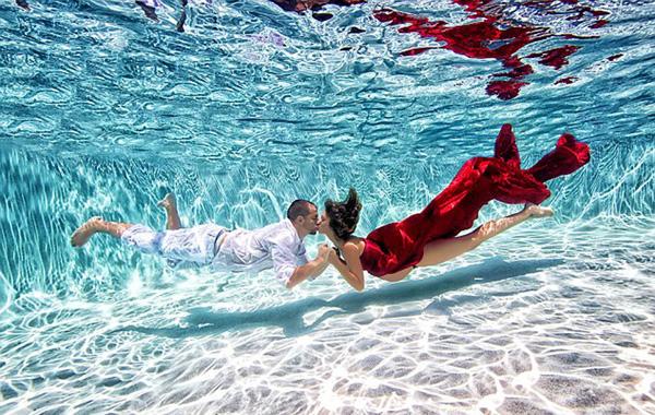 孕妇水下写真照(四)