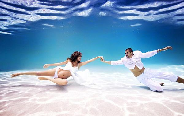 孕妇水下写真照(六)
