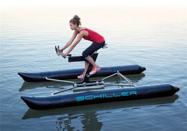 嚣张到不行的水上自行车